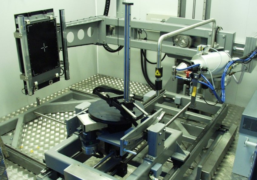 7 axis system for microfocal application in Aerospace